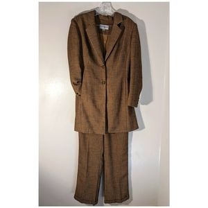 John Meyer of Norwich women's suit sz 10 Camel